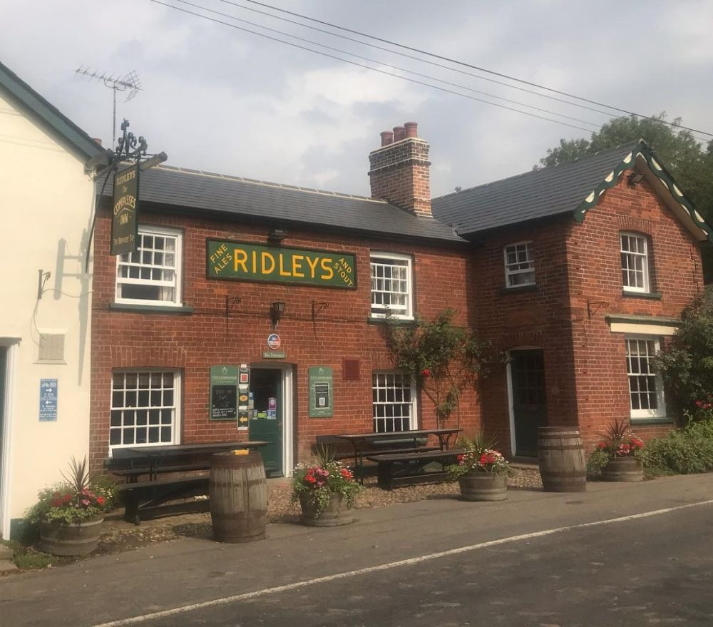 A131 Country pub with a dog walk near Braintree, Essex - Essex dog-friendly pub and dog walk