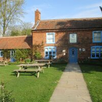 Stylish village pub with dog walk near Aylsham, Norfolk - Norfolk dog-friendly pub with a garden and dog walk
