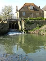 A303 dog-friendly pub and riverside dog walk, Somerset - Driving with Dogs