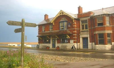The Ferrybridge dog-friendly pub near Weymouth, Dorset - Driving with Dogs