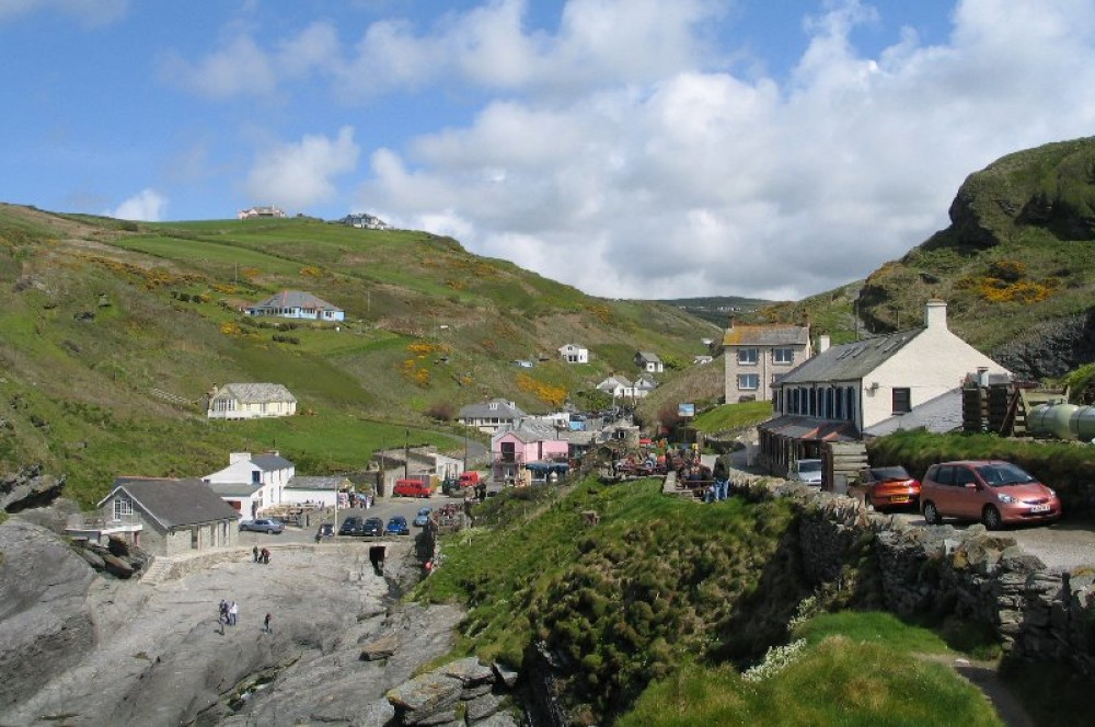 Dog-friendly pub near Tintagel, Cornwall - Dog walks in Cornwall