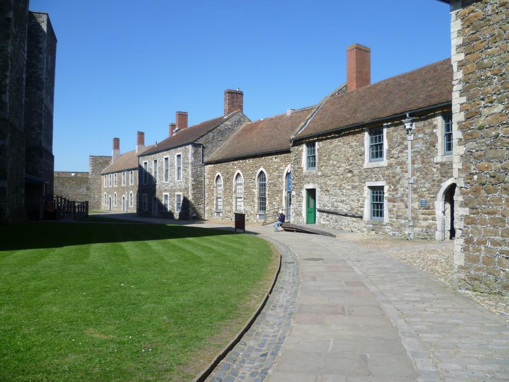 Dover Castle dog walks, Kent - Dog walks in Kent
