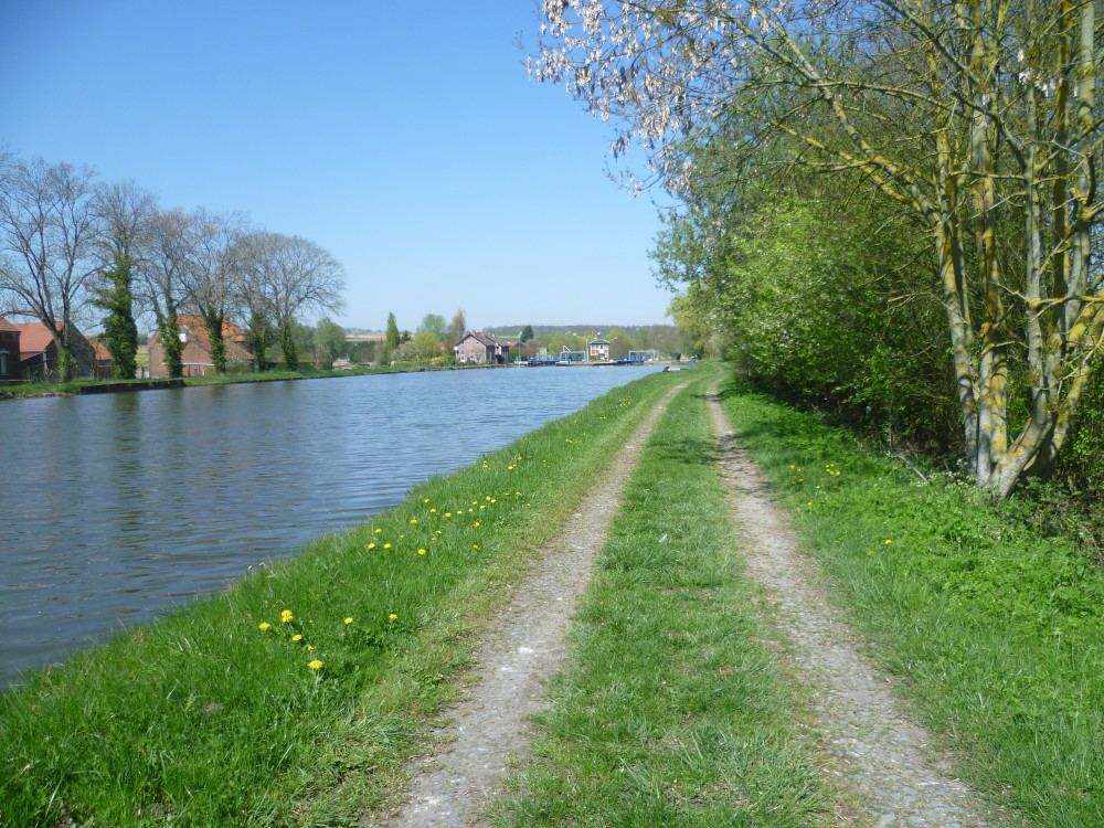 A26 exit 9 Canalside dog walk, France - Image 3