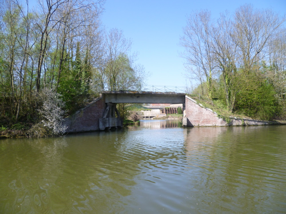 A26 exit 9 Canalside dog walk, France - Image 4