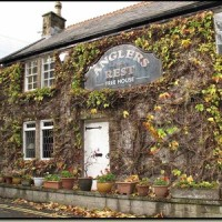 Millers Dale dog walk with dog-friendly pub, Derbyshire - Dog walks in Derbyshire