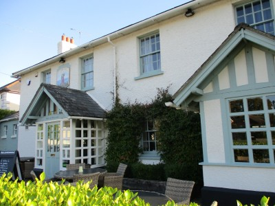 A35 dog-friendly pub near Poole, Dorset - Driving with Dogs