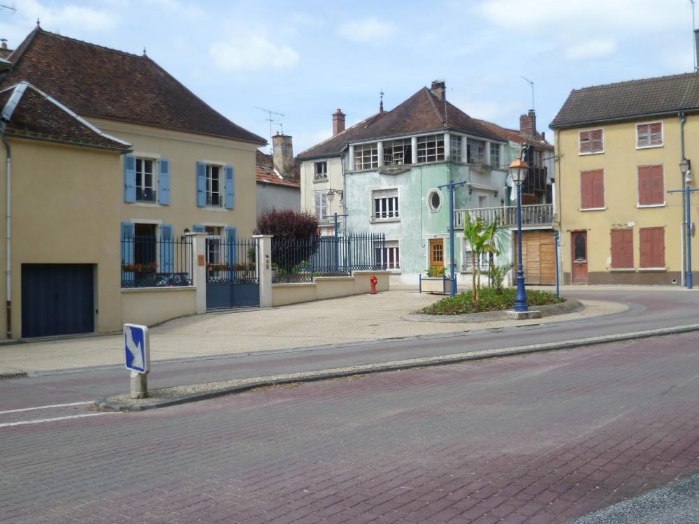 A5 Exit 22 dog walk near Vendeuvre-sur-Barse, France - Image 4