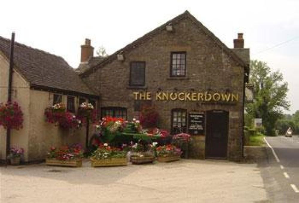 Knockerdown dog-friendly pub and dog walk, Derbyshire - Dog walks in Derbyshire