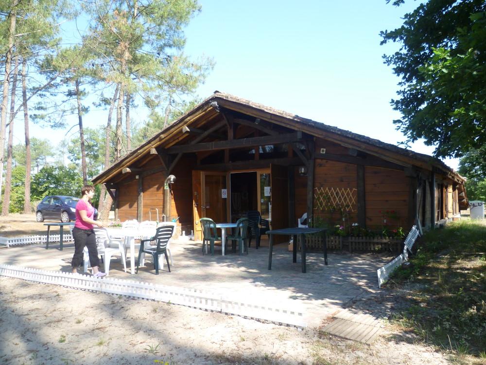 A63 Exit 17 Pissos doggiestop, France - Image 2