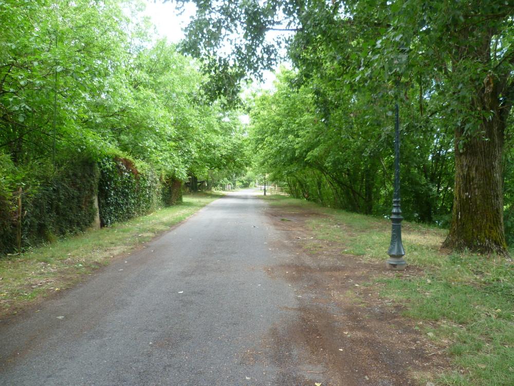 A20 exit 55 doggiestop near Souillac, France - Image 7