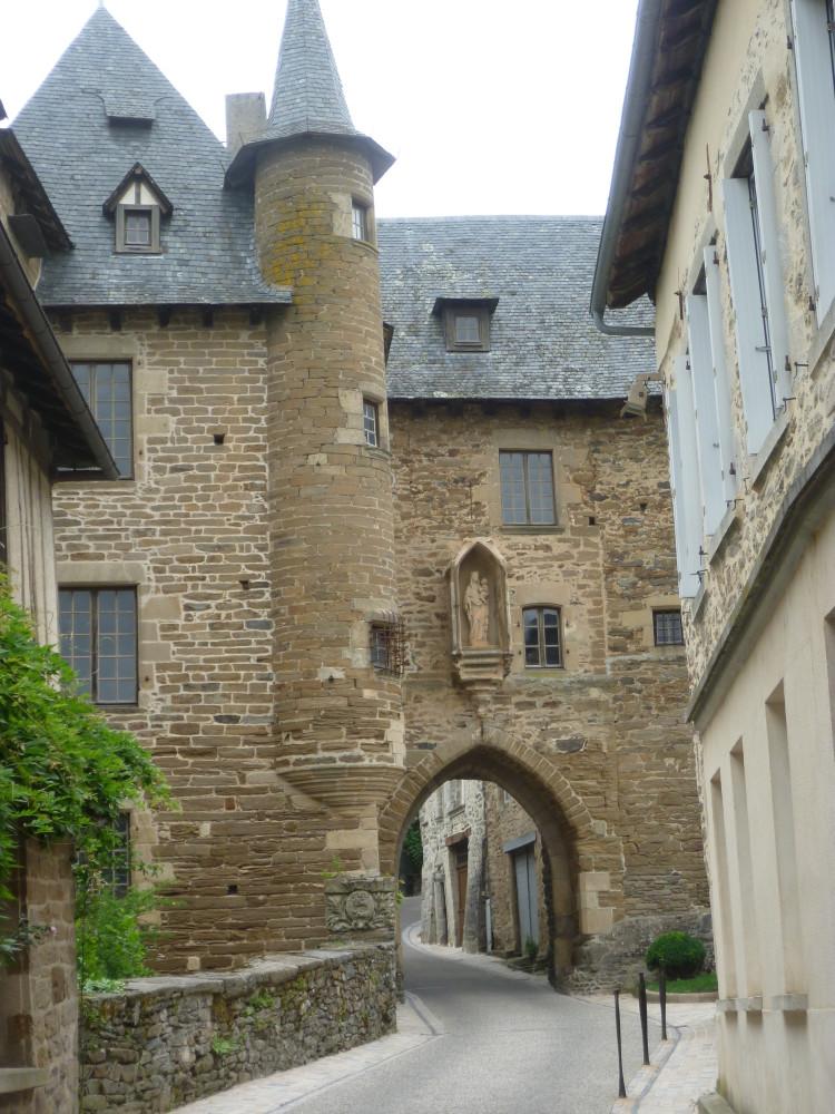 A20 exit 45 Uzerche dog walk, France - Image 2