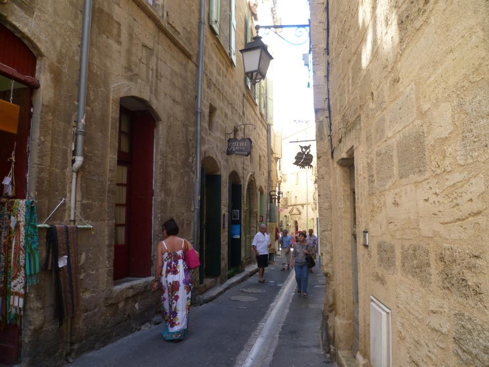 A9 Exit 34 doggiestop in Pézenas, France - Image 7