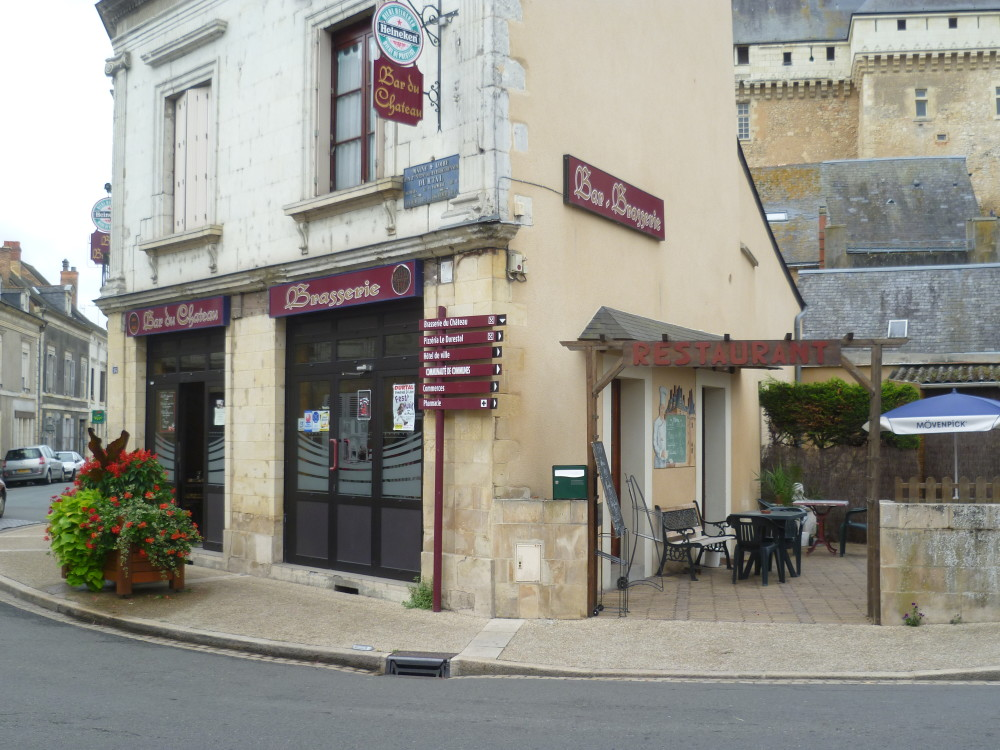 A11 exit 11 doggiestop near Durtal, France - Image 5