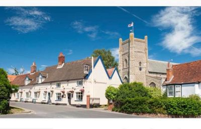 Medieval castle near Aldeburgh with dog-friendly inn and B&B, Suffolk - Driving with Dogs
