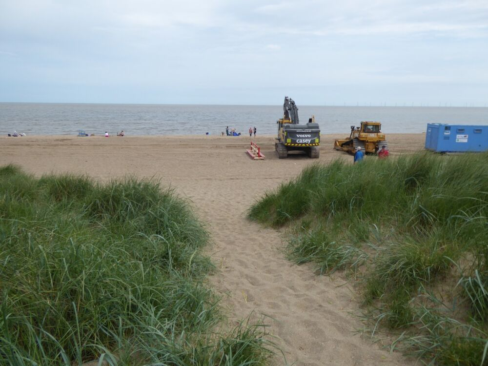 Endless sandy and dog-friendly beach, Lincolnshire - Dog-friendly beaches in Lincolnshire