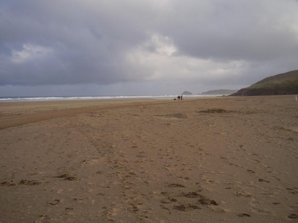 Perranporth dog-friendly beach, Cornwall - Dog walks in Cornwall