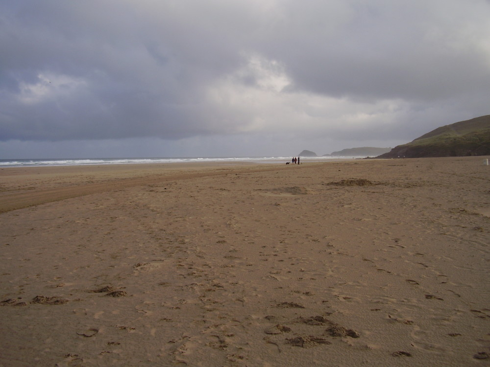 Perranporth dog-friendly beach, Cornwall - Dog walks in Cornwall