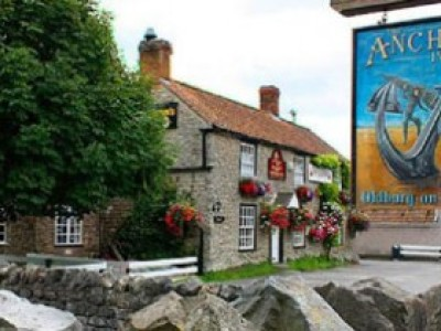 A38 dog friendly pub and dog walk by the River Severn, Gloucestershire - Driving with Dogs