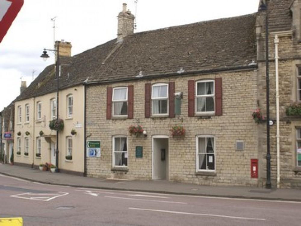 Tetbury dog-friendly restaurant and accommodation, Gloucestershire - Dog walks in Gloucestershire