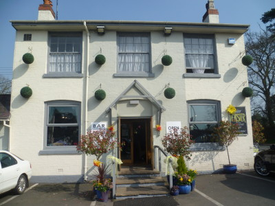 A46 near Alcester dog-friendly pub and dog walk, Warwickshire - Driving with Dogs