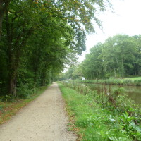 Canal d'Ille et Rance dog walk, France - Image 2