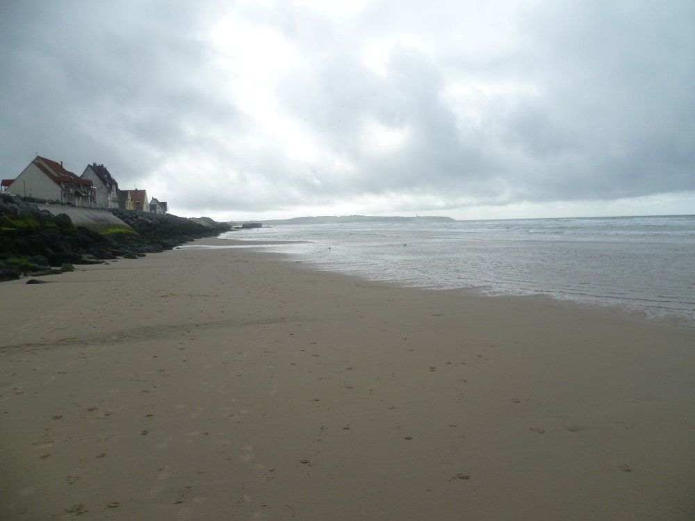 Opal coast dog-friendly beach, France - Image 4
