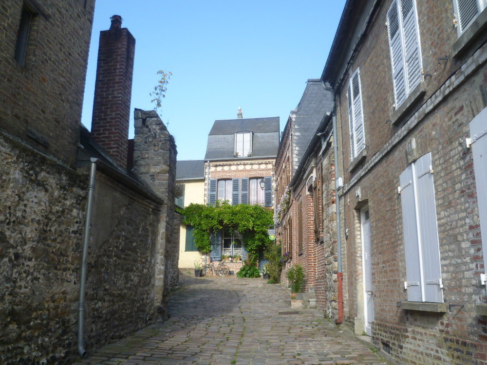 St Valery-sur-Somme dog walk, France - Image 3