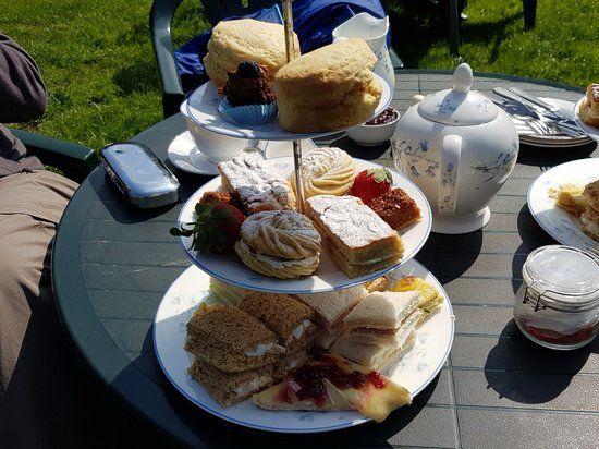 Kitnors dog-friendly Tea Garden near Minehead, Somerset - Kitnors dog-friendly tea garden.jpg