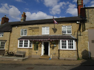 Silverstone dog-friendly pub and dog walk, Northamptonshire - Driving with Dogs