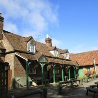 Scots Common dog-friendly pub and dog walk, Oxfordshire - Oxfordshire dog walk with dog-friendly pub