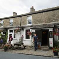 Dog walk and dog-friendly pub near Reeth, Yorkshire - Yorkshire dog-friendly pub and dog walk