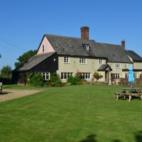 Happy country pub near the A11, Cambridgeshire - Cambridgeshire dog-friendly pub and dog walk