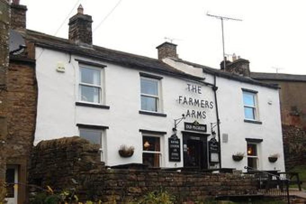 Upper Swaledale dog-friendly pub and dog walks, North Yorks - Image 1