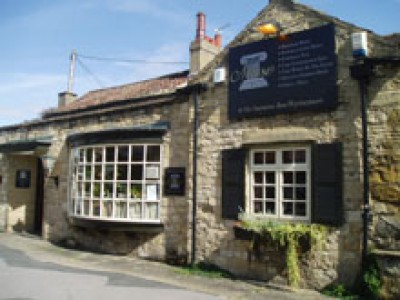Wetherby dog-friendly pub, West Yorkshire - Driving with Dogs