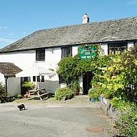Dartmoor dog-friendly pub, Devon - Dog walks in Devon