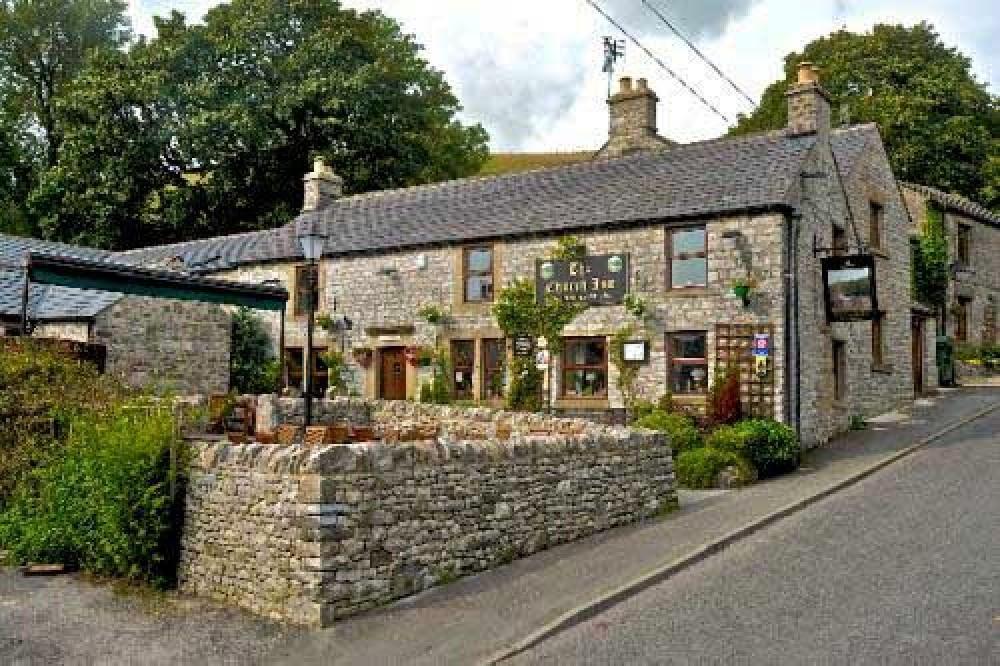Chelmorton dog-friendly pub with dog walks, Derbyshire - Dog walks in Derbyshire