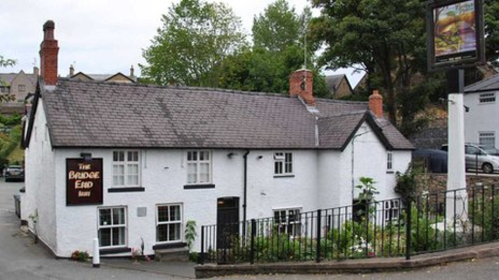 Ruabon dog-friendly pub and dog walk, Wales - Dog walks in Wales