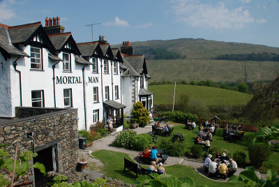 Dog-friendly pub near Ambleside, Cumbria - Driving with Dogs