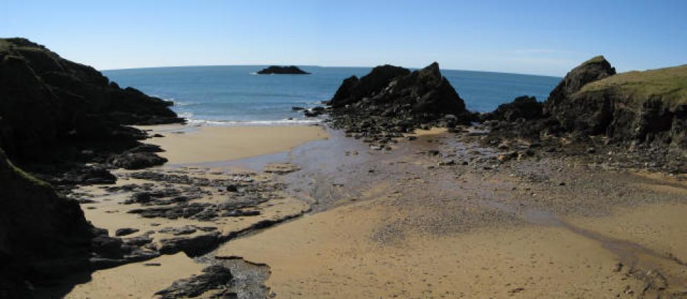 Soar Mill Cove dog friendly beach, Devon - Dog walks in Devon
