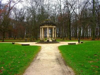 Parc de la Colombière dog walk, Dijon, France - Driving with Dogs