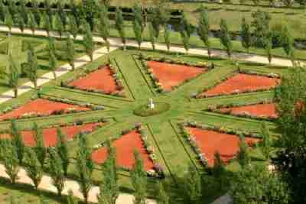 Parc Maupassant de Bois Savary dog-friendly, France - Image 3