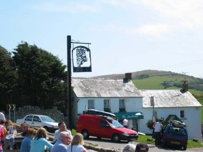 Llangennith dog-friendly beach and pub, Gower, Wales - Driving with Dogs
