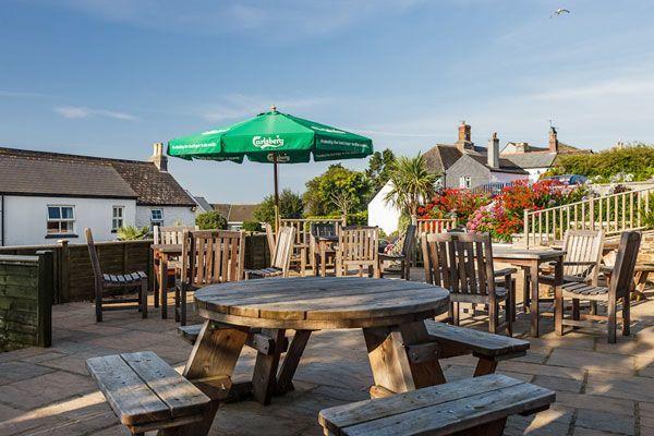 A379 dog-friendly pub and dog walk near Salcombe, Devon - Devon dog-friendly pub and dog walk
