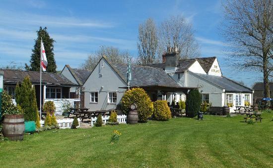 A366 dog-friendly pub and dog walk near Trowbridge, Wiltshire - Wiltshire dog-friendly pub and dog walk