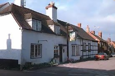 A46 near Pershore dog-friendly pub and dog walk, Worcestershire - Driving with Dogs