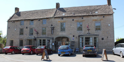 Fosse Way dog-friendly pub and dog walk, Warwickshire - Driving with Dogs