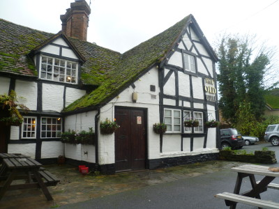 A422 The Archers dog-friendly pub and dog walks, Worcestershire - Driving with Dogs