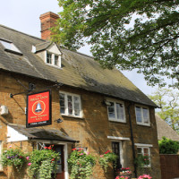 Cotswolds dog-friendly pub and dog walk, Oxfordshire - Dog walks in Oxfordshire