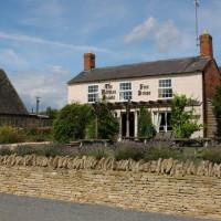 A3400 near Moreton dog-friendly pub and dog walk, Warwickshire - Dog walks in Warwickshire