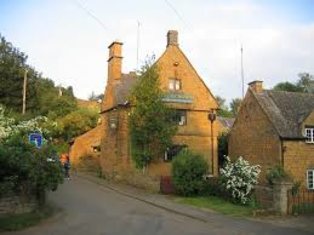 A422 dog-friendly pub and dog walk, Warwickshire - Dog walks in Warwickshire